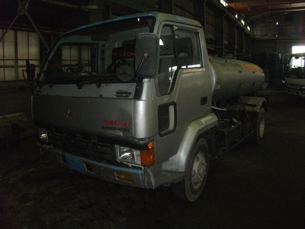 MITSUBISHI FUSO FIGHTER TANK LORRY