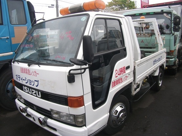 ISUZU ELF WRECKER